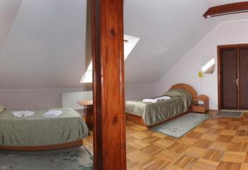 http://savana.com.ua/images/Hotel%20Valentuna/10.jpg