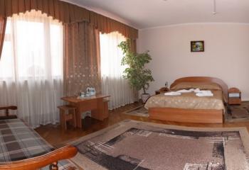 http://savana.com.ua/images/Hotel%20Valentuna/11.jpg